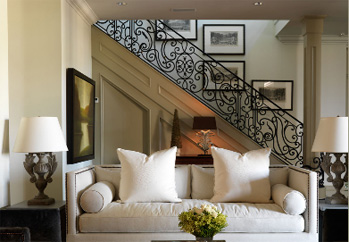 de portier staircase in home metal railing