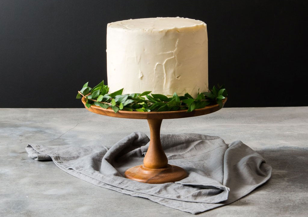 good_gracious_acacia_cake_stand
